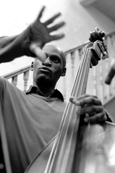 LARRY BARTLEY - Jazz  Bassist